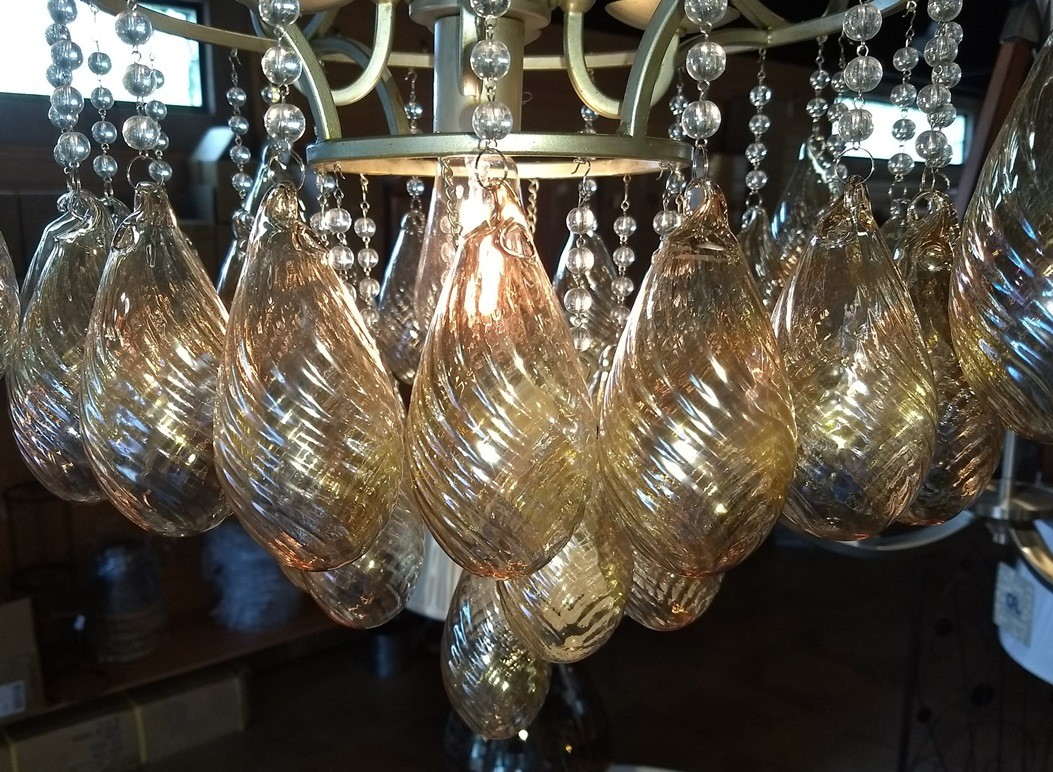 Chandelier golden glass pendants